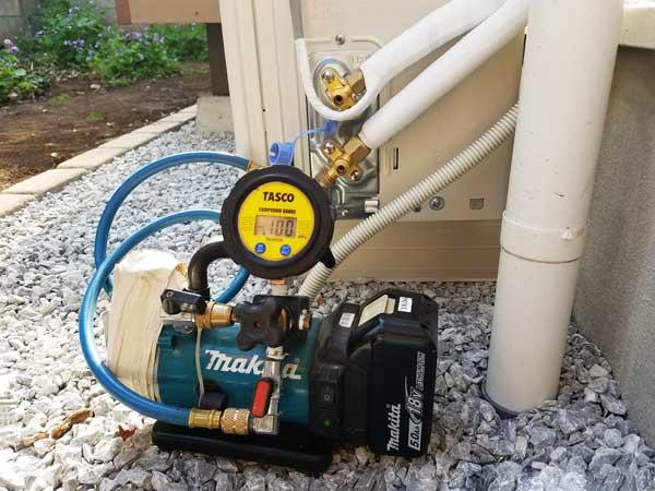 エアコン配管真空引き1
